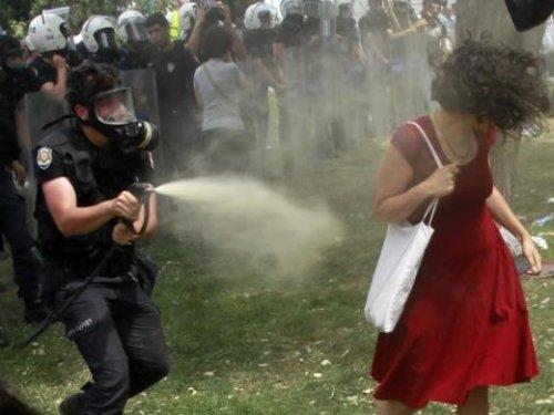 Ölümcül gaz bombaları yasaklansın…