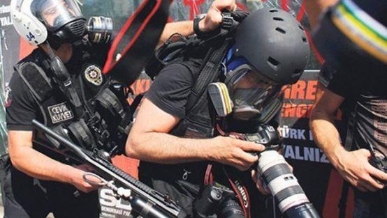 dunyada_en_cok_tutuklu_gazeteci_turkiyede_h13500