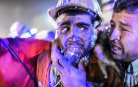 soma-daki-maden-faciasi-17-ilde-protesto-edildi-6030817_116_m