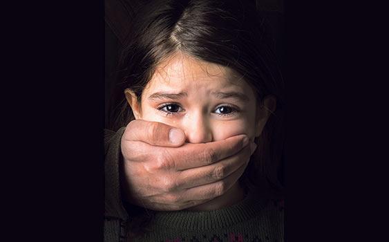 Erkek çocuklarının yüzde 9'u kızların yüzde 7'si cinsel tacize uğradı