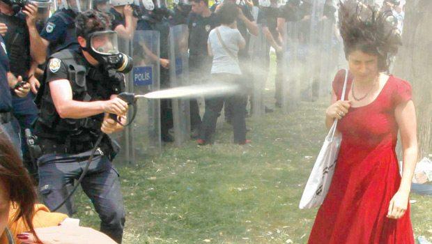Hakimden ibretlik ceza: O polis 600 fidan dikecek