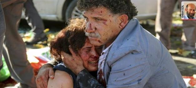 Canlı bombaya 295 kurban