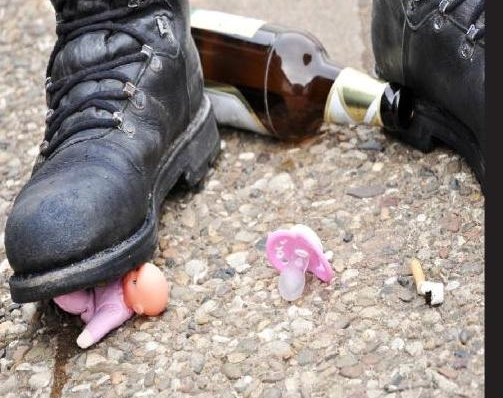 Evdeki şiddetin sorumlusu alkol