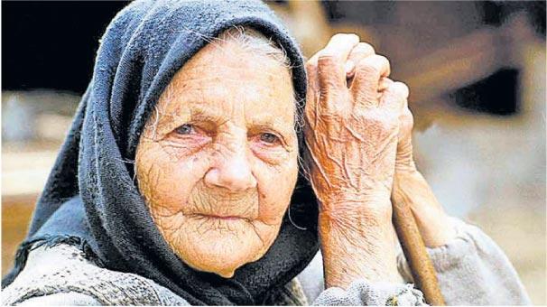 Yaşlılar yalnız ölüyor!