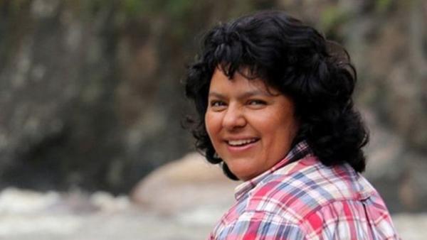 Honduraslı aktvisit Berta Caceres öldürülmeden önce büyük hidroelektrik baraj inşasına karşı kampanya yürütmüştü.