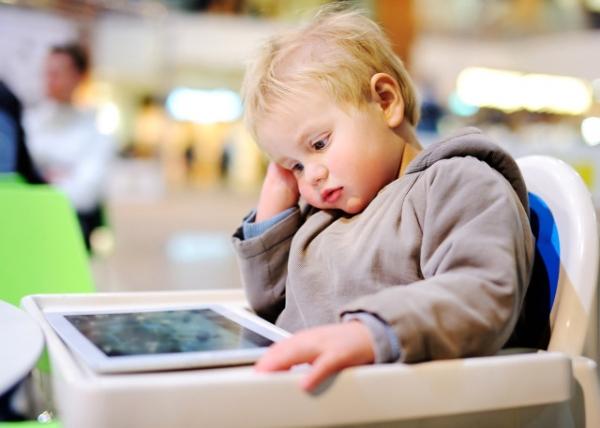 2-yasindan-once-cocugunuzu-dijital-ekranlardan-10268160_4552_m