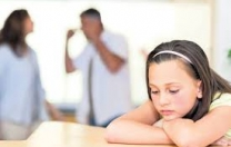 Çocuk annesinin uğradığı şiddetten kendini sorumlu tutabiliyor