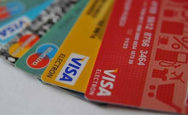 Kredi kartı olmadan yaşayamaz haldeyiz