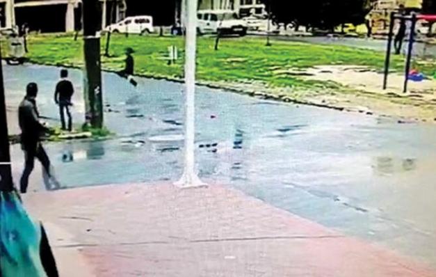 Havalı tüfekli canavar… Parktaki 9 çocuğu vurdu