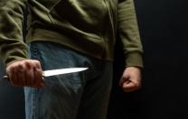 Bırakın o bıçağı!