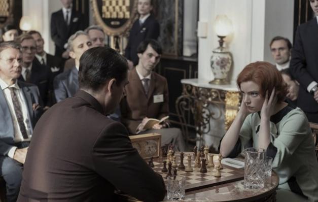 The Queen's Gambit: Uzun Bacaklı Sinek