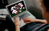 Ergenlerin yüzde 12,5'i çevrimiçi kumar kıskacında
